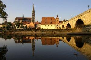 Dom, Salzstadel und Steinerne Brücke Foto: Stadt Regensburg Peter Ferstl